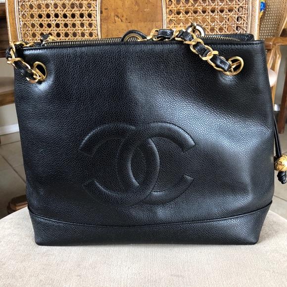 5708d0ba80bc CHANEL Handbags - Chanel CC Caviar leather chain tote